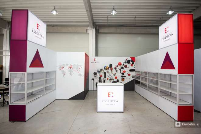 U-shaped stand with shelves